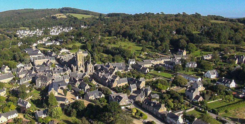 Locronan, uno de los pueblos más bonitos de Francia que parece haberse detenido en el tiempo