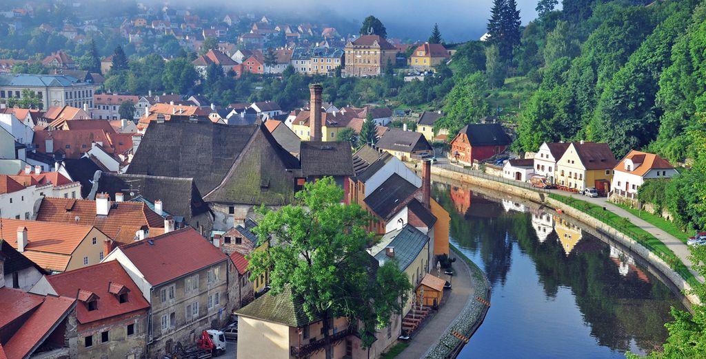 Reconocida como Patrimonio de la Humanidad por la UNESCO, preserva su encanto y carácter con sus edificios típicos