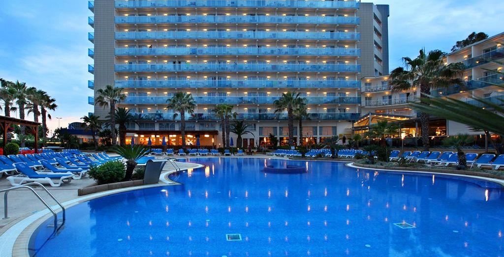 Bienvenido al Golden Taurus Park Resort 4* en la Costa Brava