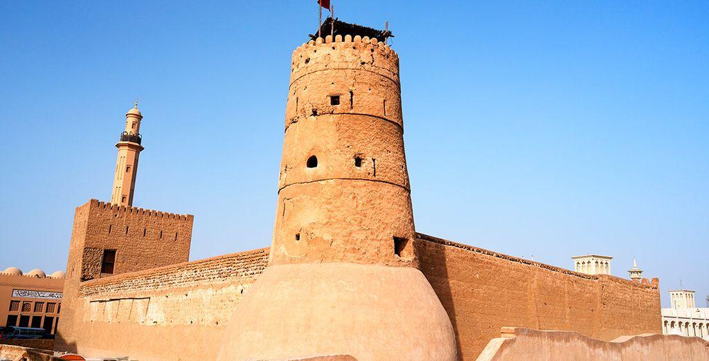Aprovecha para conocer lugares como la fortificación de Al Fahidi