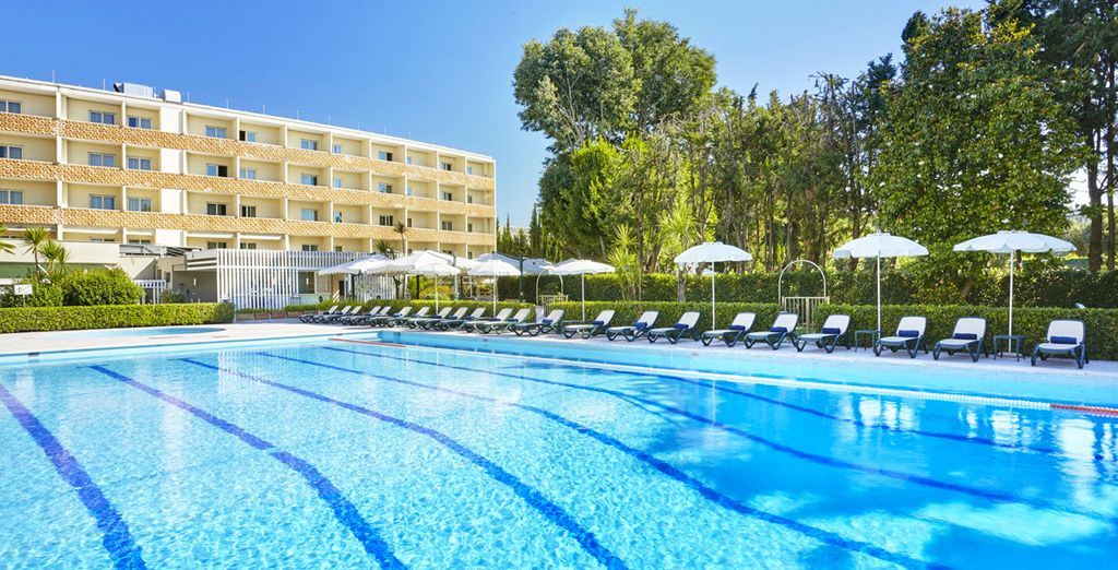 Crowne Plaza St. Peter's 4*