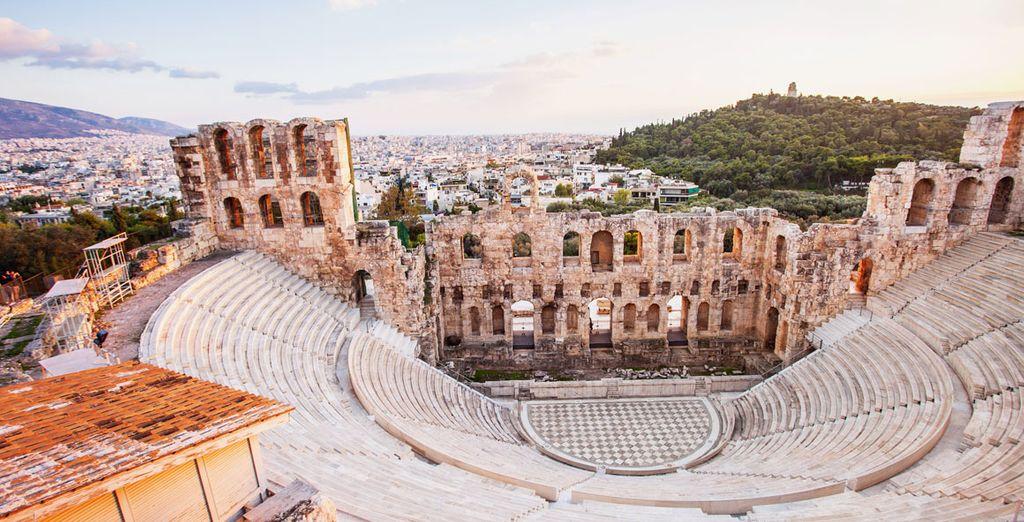 Visita el Odeón de Herodes Ático, cerca del Acrópolis