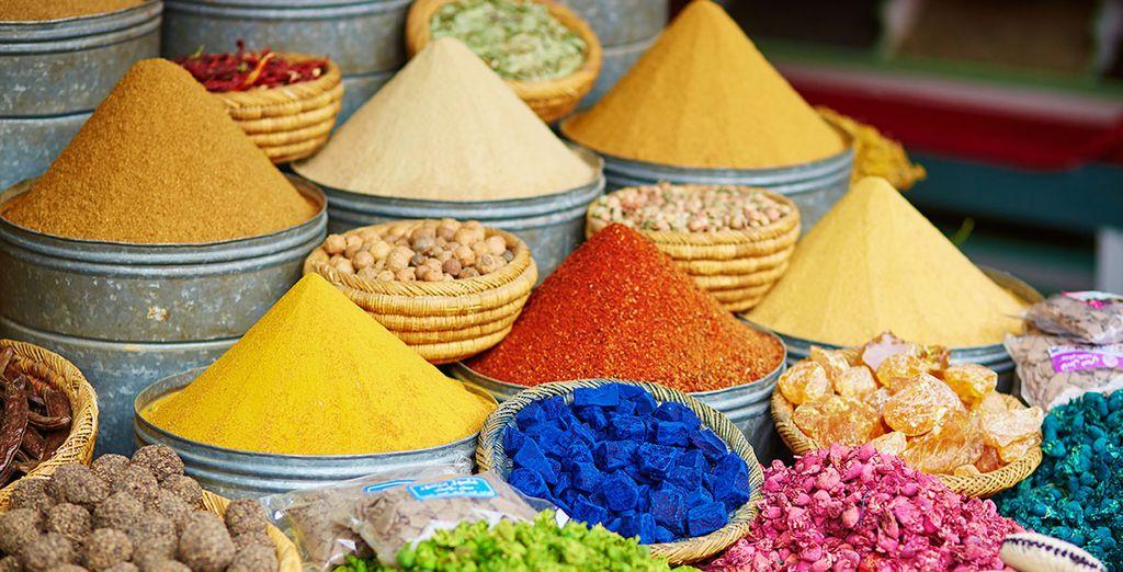 Deja que tus sentidos despierten con los aromas y colores de los mercados de la ciudad