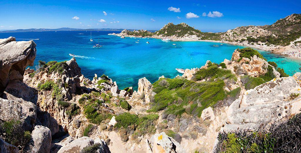 Hermosas playas y vistas de la costa de Cerdeña te están esperando