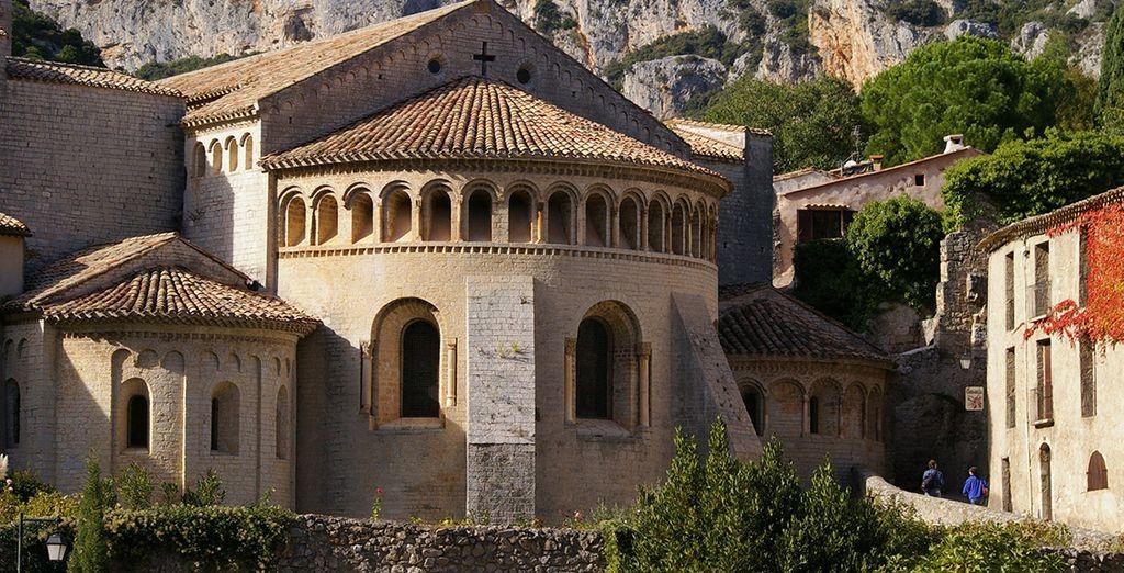 Conoce  el bello Saint-Guilhem-le-Désert, pequeño poblado medieval