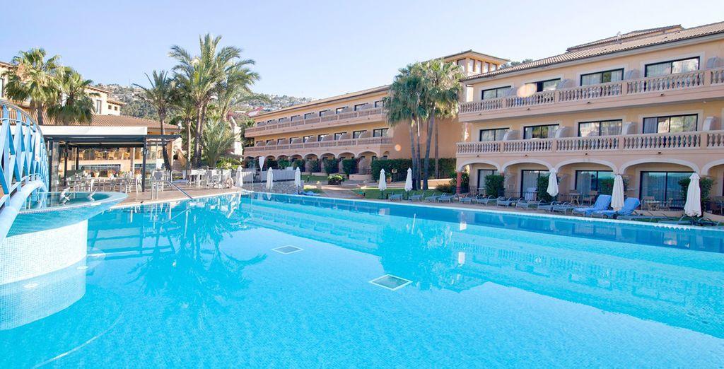 ¡Disfrutarás de su fabulosa piscina!