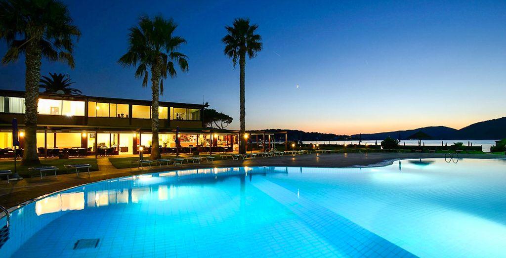Disfrutarás de preciosas vistas desde la piscina