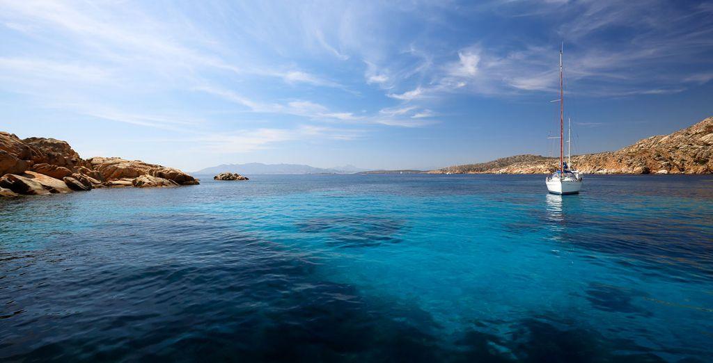 Baja Sardinia combina la belleza del paisaje, los legados históricos y las obras maestras creadas por el hombre