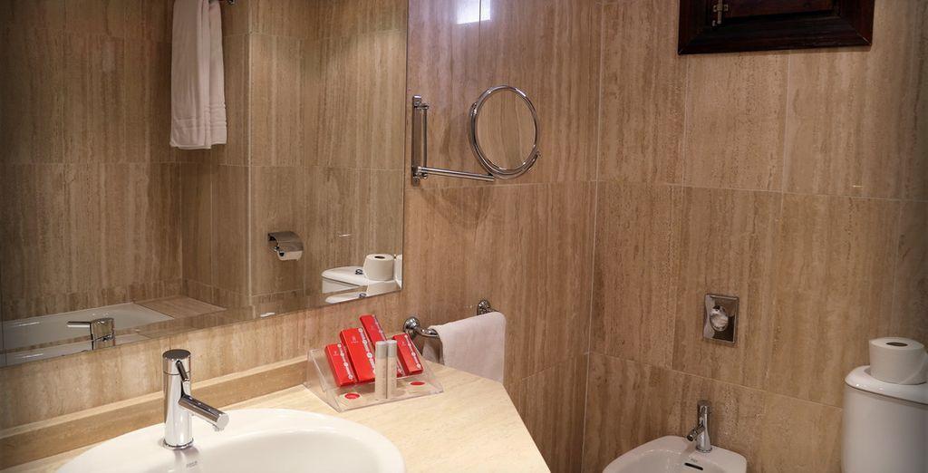 Tu habitación cuenta con baño propio totalmente equipado