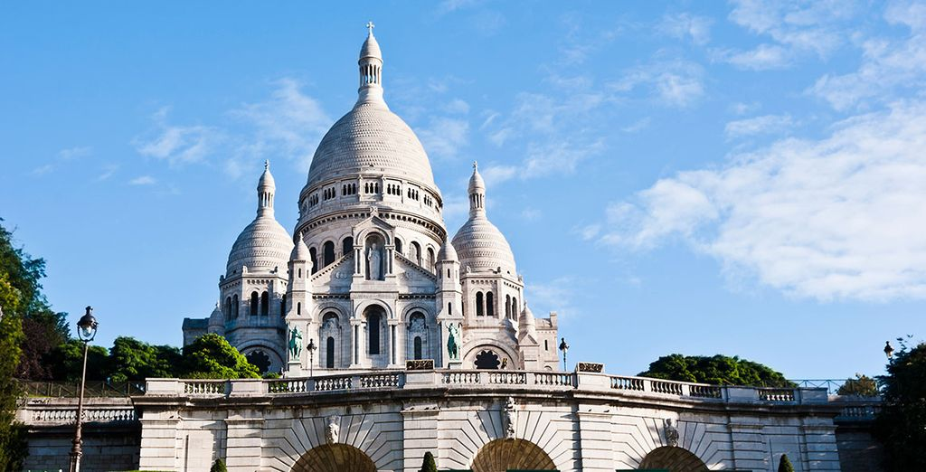 Contempla las maravillosas vistas desde la escalinata del Sagrado Corazón, en Montmartre