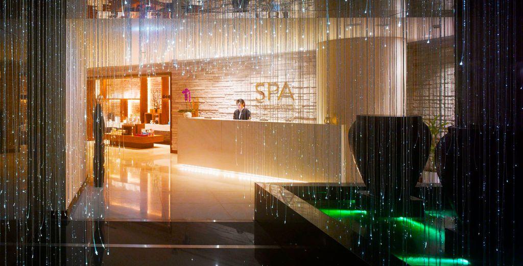 Y si prefieres desconectar, visita el fabuloso Spa con tratamientos especializados
