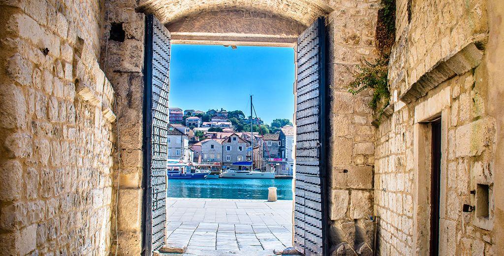 Nos dirigiremos a la ciudad medieval de Trogir