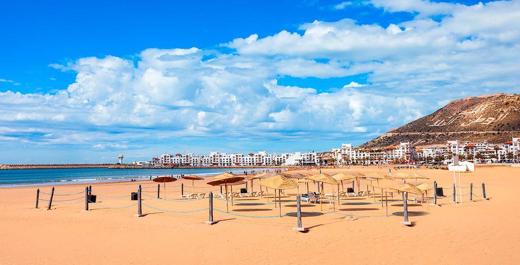 Disfruta de las playas de arena dorada