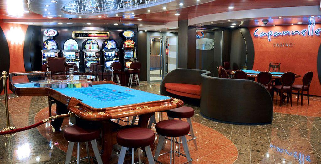 Descubre un amplio espacio dedicado al Casino