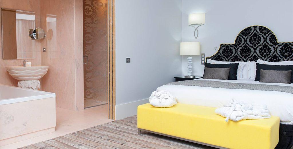 Descansa en tu habitación Deluxe, un espacio decorado con mimo y detalle
