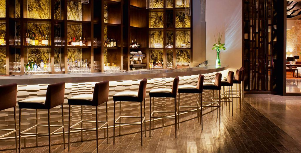 Tómate un aperitivo en el bar