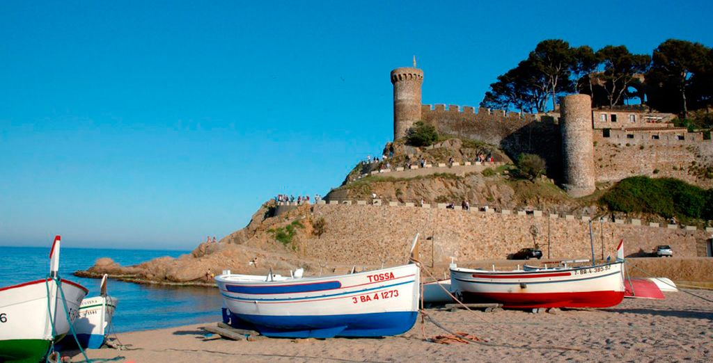 Ven a visitar la medieval Tossa de Mar