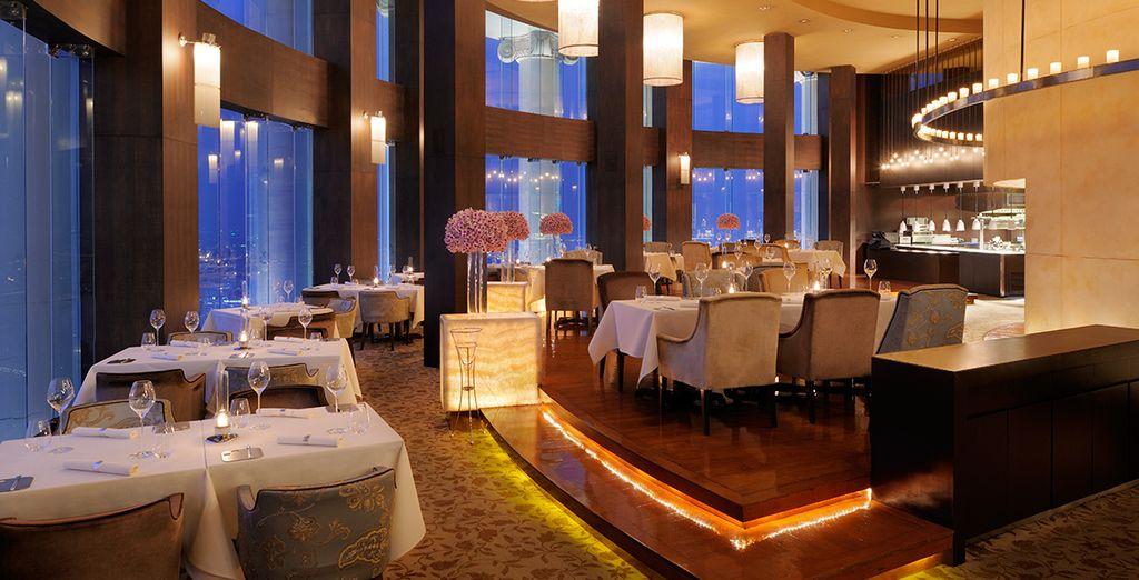 Un hotel moderno y confortable