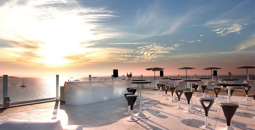 Un hotel a pie de playa con vistas inigualables