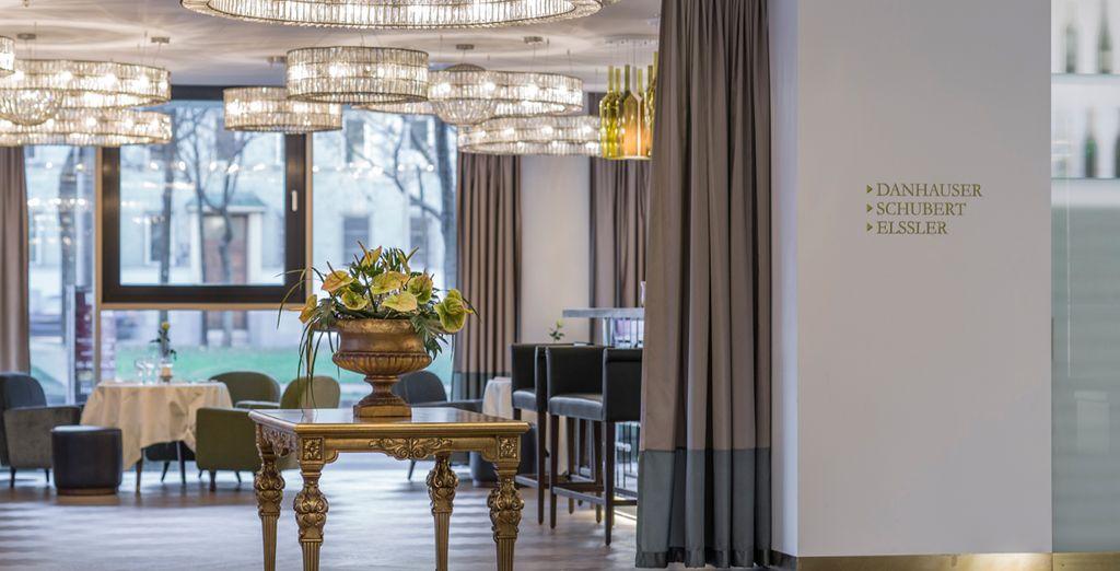 Zonas comunes elegantes y lámparas de diseño