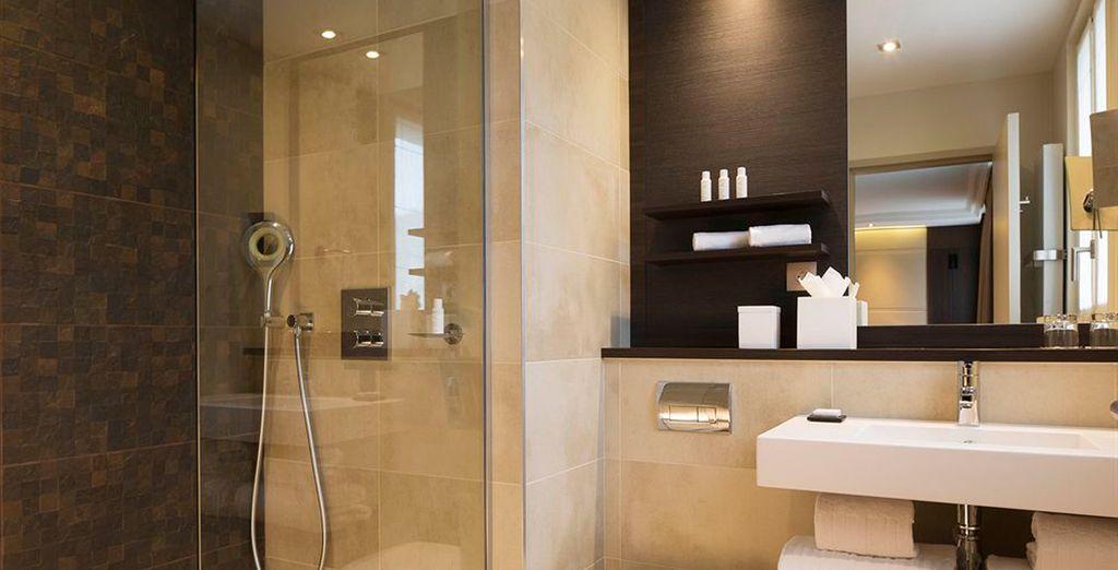Baños completamente equipados