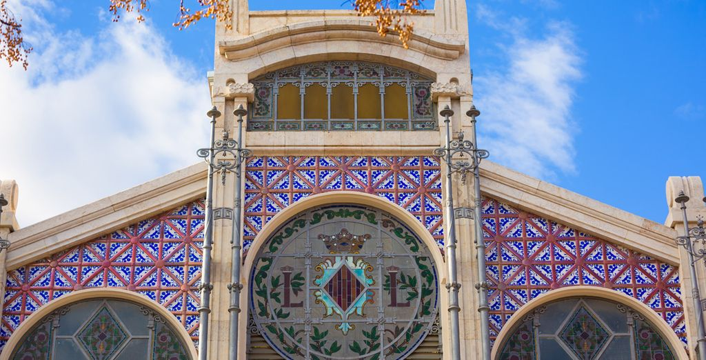 Fotografía la fachada del emblemático Mercado Central