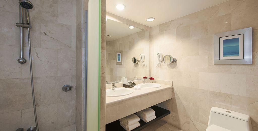 Ambas equipadas con un moderno baño