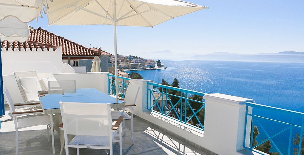 Despierta en la intimidad de tu apartamento Gran Bleu con vistas impresionantes al mar