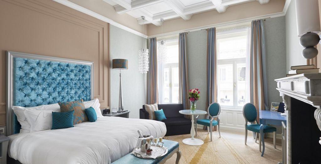 Alójate en una fantástica habitación Aria Signature Large King Bed y balcón con vistas al Music Garden