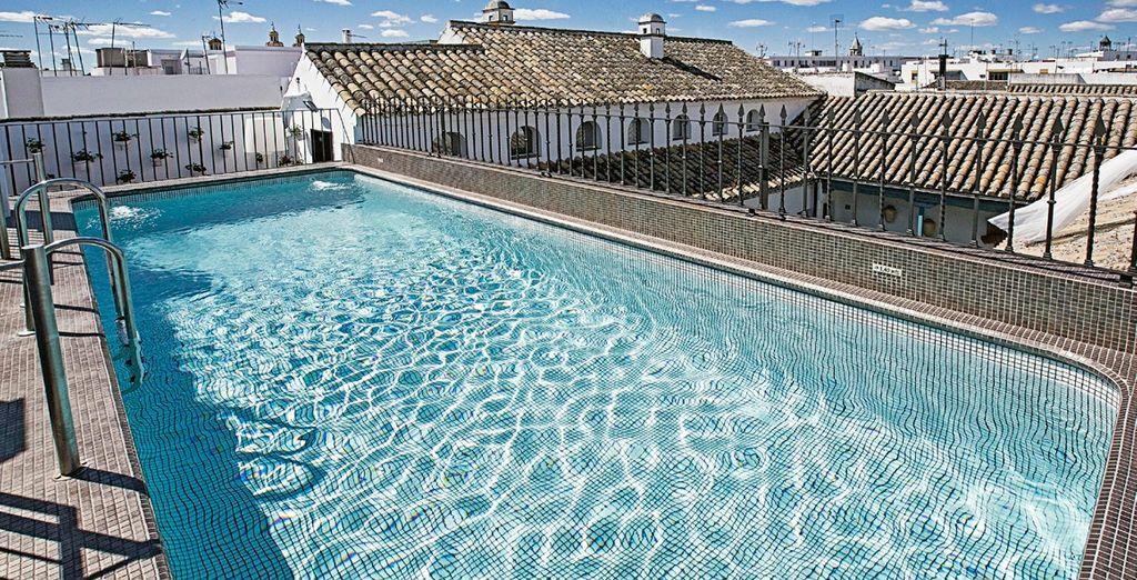 Refréscate en la piscina de la azotea