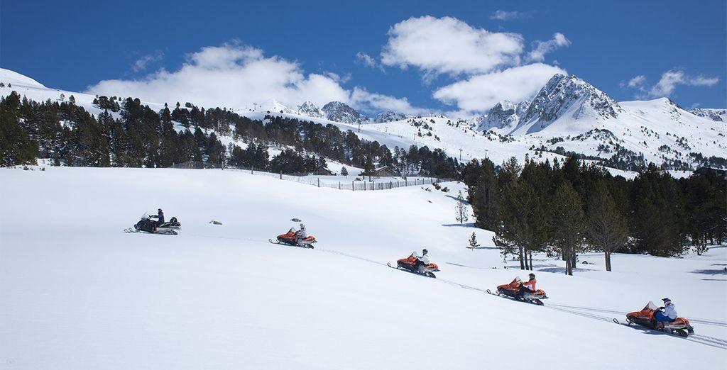 ¡Disfruta del descuento en motos de nieve que te ofrecemos y conoce Andorra a todo gas!