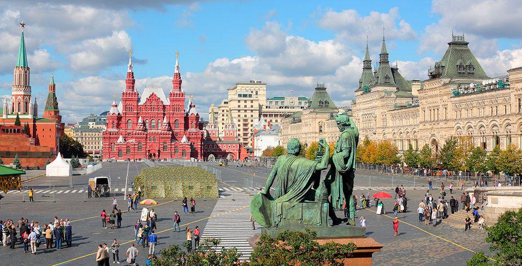 Realizararás una visita panorámica de Moscú