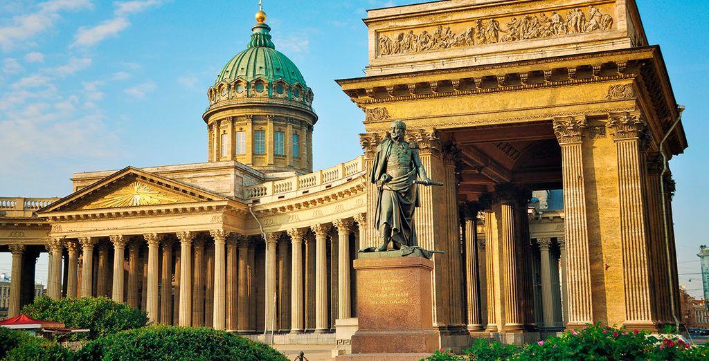 Visita la Catedral de San Isaac es la más suntuosa y grandiosa de las iglesias de San Petersburgo