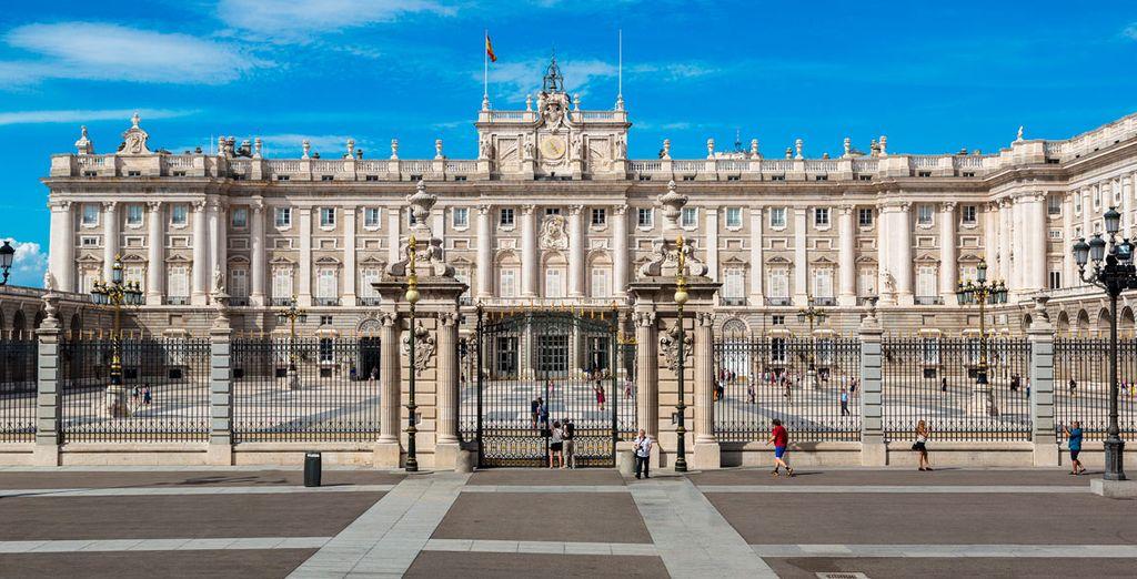 Déjate impresionar por el majestuoso Palacio Real
