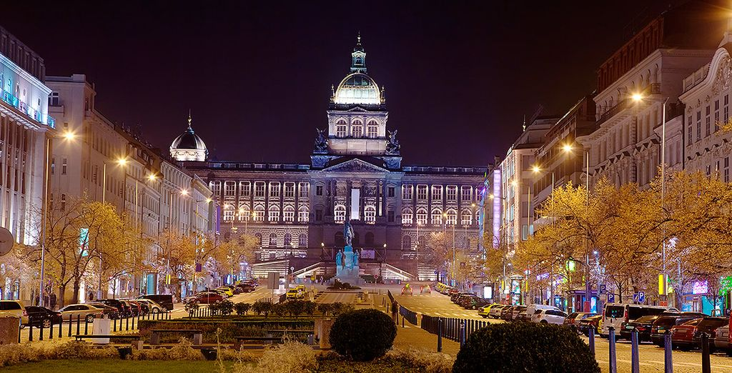 Sheraton Prague Charles Square 5* se encuentra a unos metros de la Plaza Wenceslao
