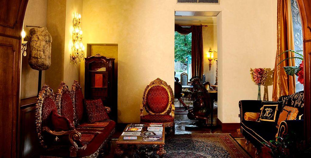 Alójate en un hotel con un ambiente sofisticado y distinguido