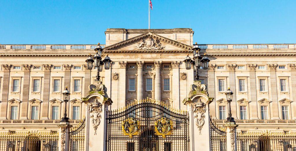 Acércate al Palacio de Buckingham