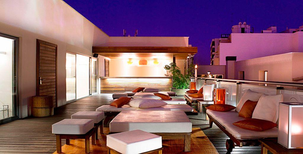 Admira las magníficas vistas desde el bar salón de la azotea