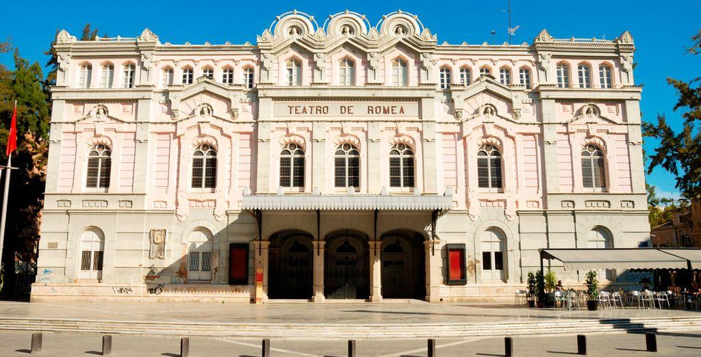 El emblemático Teatro Romea