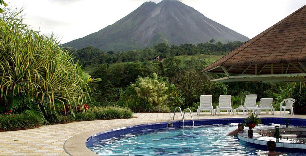 Podrás alojarte en Arenal Paraiso Resort & Spa 3* si eliges la opción Estándar