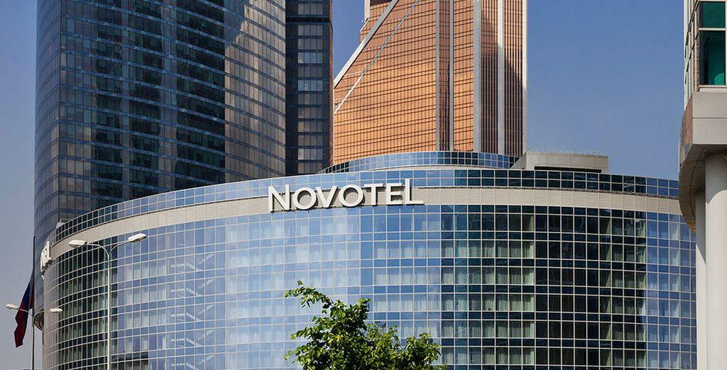 En Moscú te alojarás en Novotel Moscow City 4*