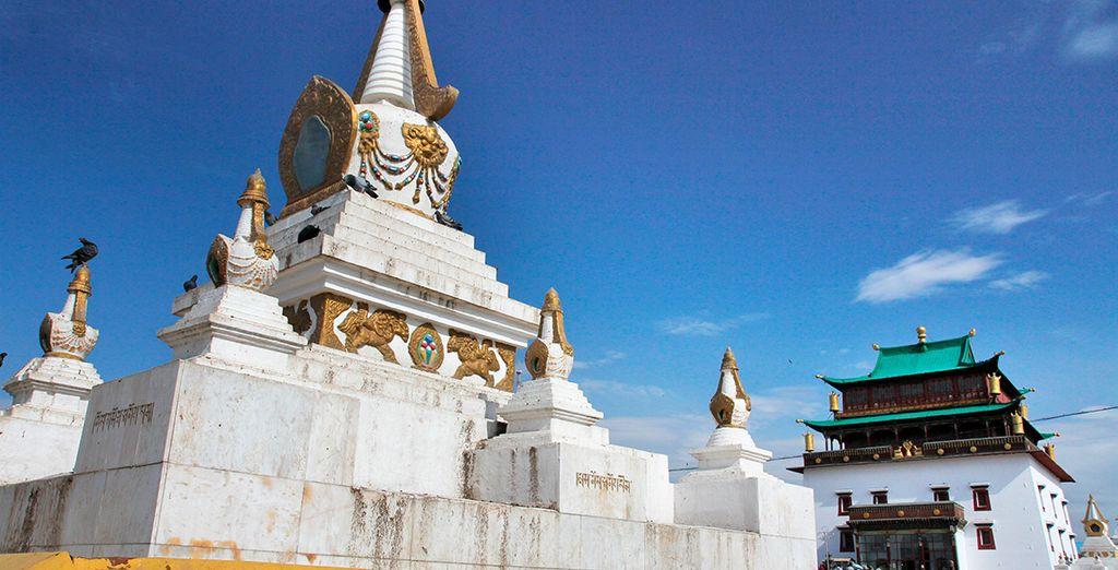 Ulan Bator os espera, donde se enecuentra el Monasterio budista de Gandantegchinlin