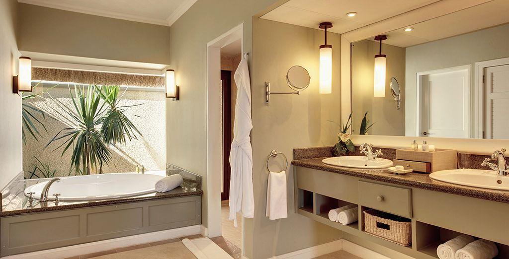 Baños equipados con todo lujo de detalles