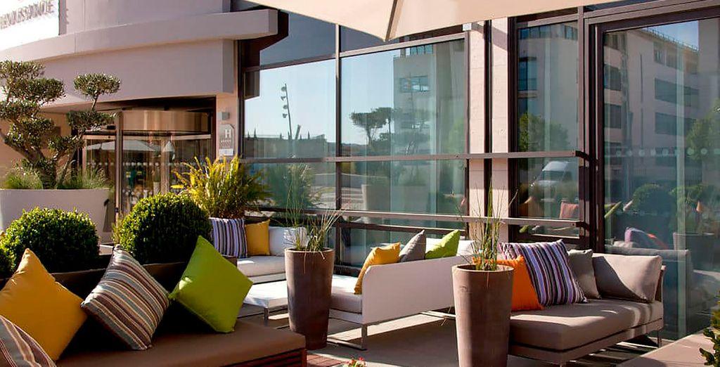 Renaissance Aix En Provence Hotel 5* es un hotel nuevo de estilo contemporáneo