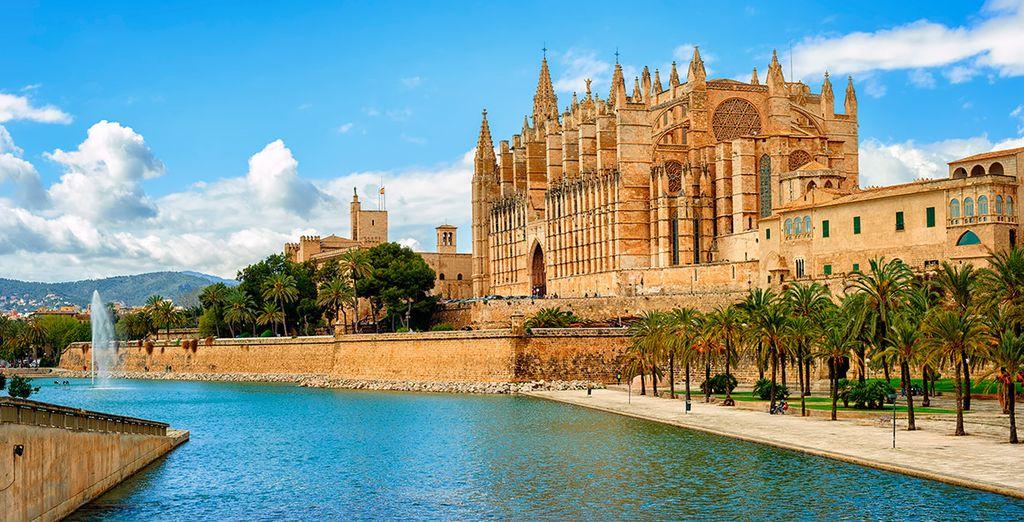 Aprovecha para visitar Mallorca y conocer La Seu