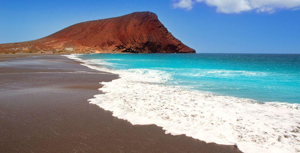 Y no te olvides de visitar La Tejita. ¡Considerada una de las mejores playas de Tenerife!