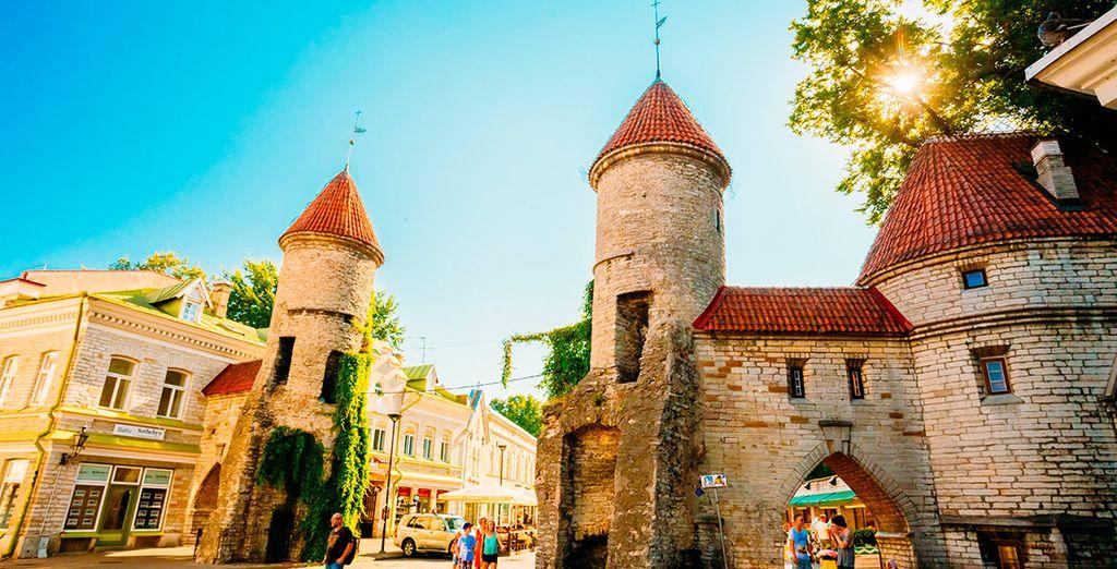 El encantador casco antiguo medieval de Tallin... ¡te sorprenderá!