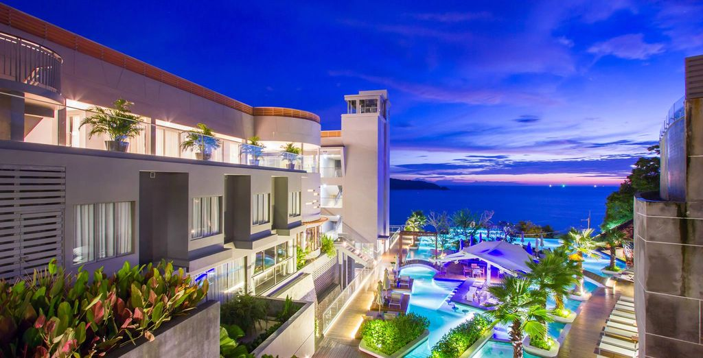 Vive la noche en la animada zona de Patong Beach