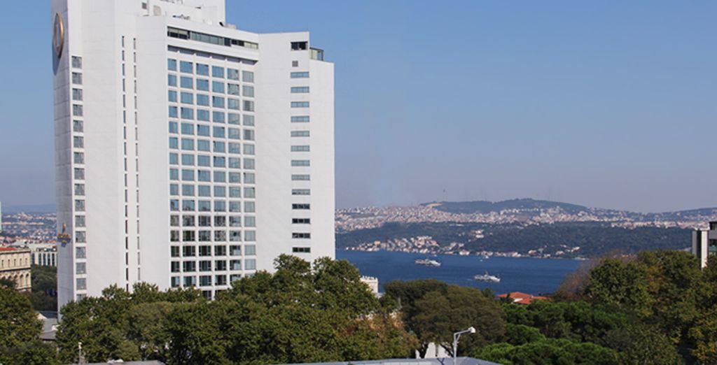 Descubra Estambul desde el Hotel Manesol Lamartine