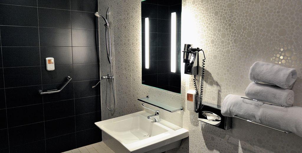 Baño completo y privado en la misma